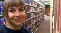 她法律系毕业,花一年才找到工作,学历贬值了?