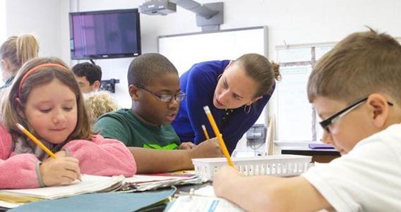 家长要求多!老师叹:教育也变服务业?